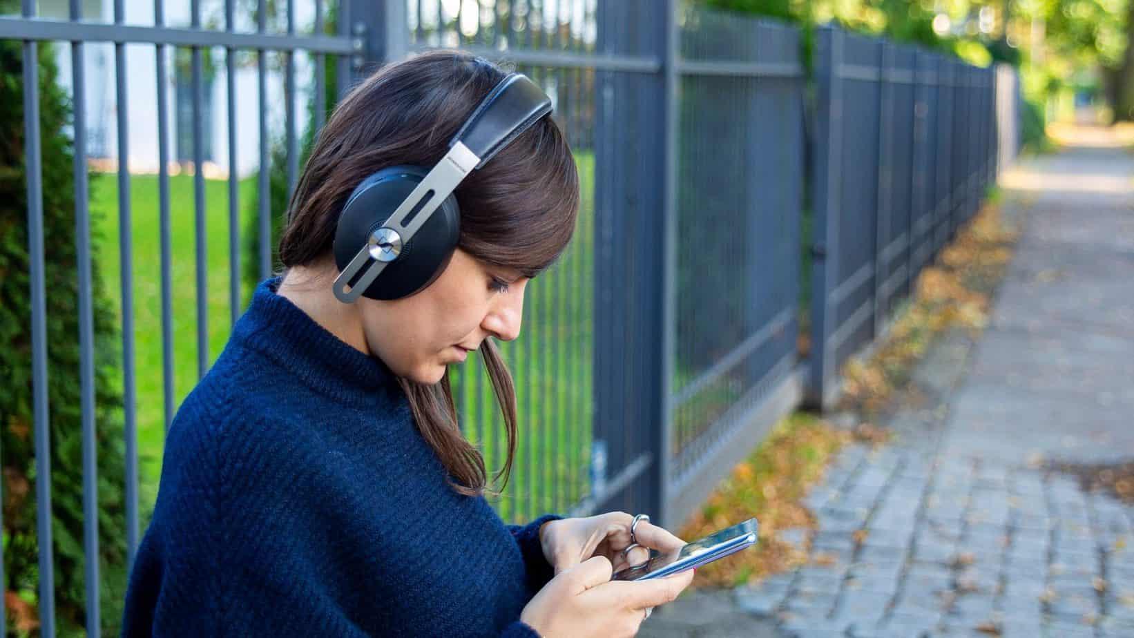 Sennheiser-Momentum-Wireless-Outdoor-2