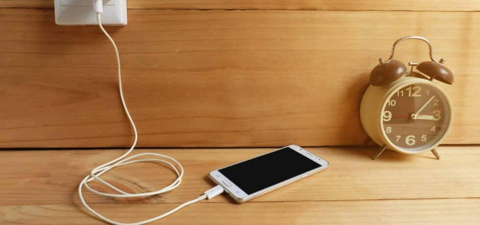 10 Charging Accessories to Always Keep Your Battery at 100 Percent