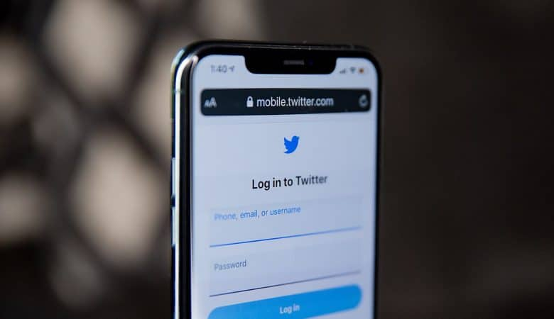Twitter is bringing Moments to Indian social app Dailyhunt