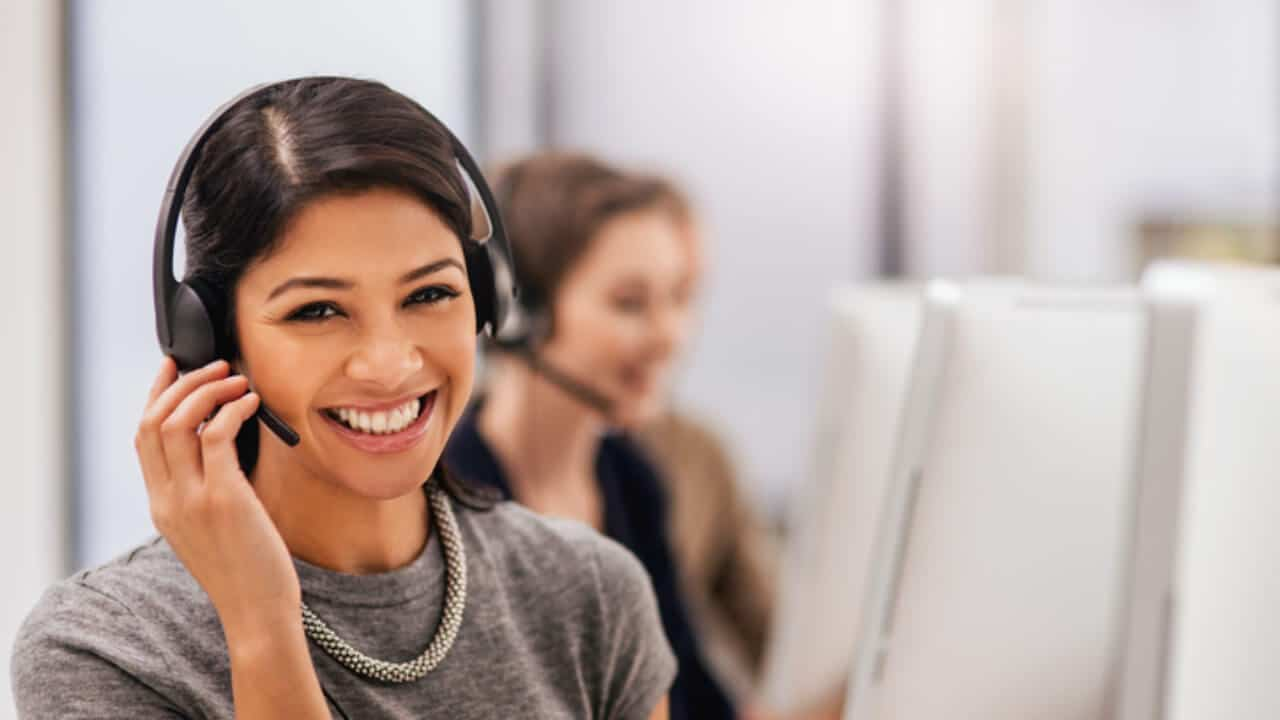 The Ultimate Guide to Customer Service That Will Help Your Business Grow and Retain Customers