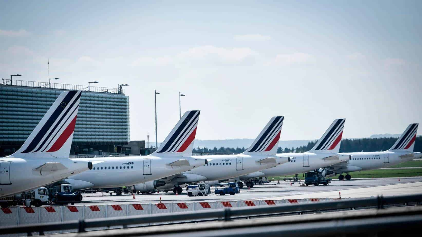 France bans domestic flights that could be 'covered by train'